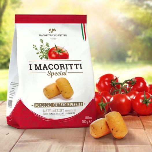 Oggi è la giornata nazionale del pomodoro  e noi la festeggiamo con I Macoritti Special al pomodoro, origano e paprika...saporiti e leggermente piccan...